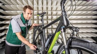 Prüfungen für Elektrokleinst-Fahrzeuge und elektromotorische Fahrräder