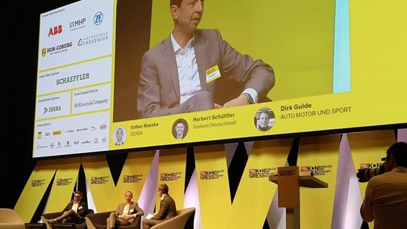 Volker Noeske im Interview auf der Bühne beim ams Kongress 2019