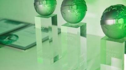 DEKRA Award Pokale