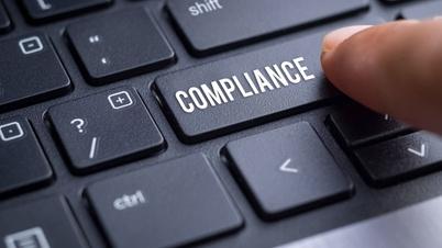 Tastatur mit Compliance-Button