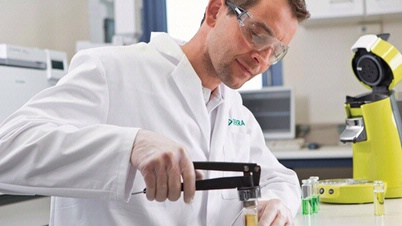 DEKRA Elektrogeräte Labor Test