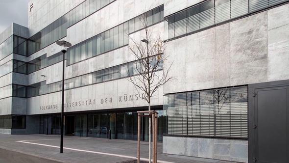 """Der Neubau der Folkwang Universität hat das DEKRA Zertifikat """"Immobilienprüfung Großprojekte"""" erhalten:"""