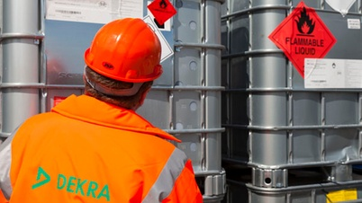 Working together to ensure safe handling of hazardous chemicals in the workplace.