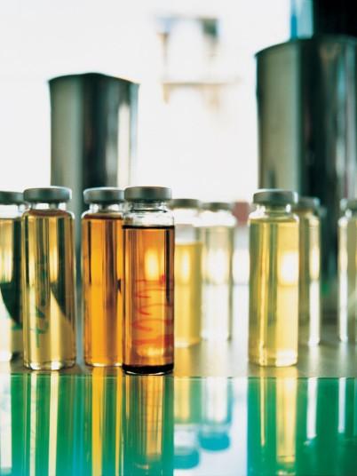 DEKRA Laborflaschen mit flüssigem Inhalt