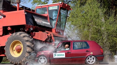 Accident with a harvesting vehicle